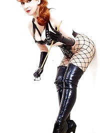 Black thigh boots and latex,that's how to spend a weekend