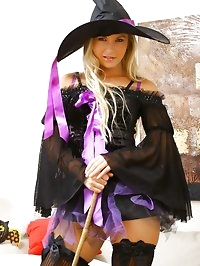 Cute Halloween Queen Jana D will show a sexy strip in a..