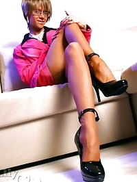 Leggy business woman in hot FF stockings