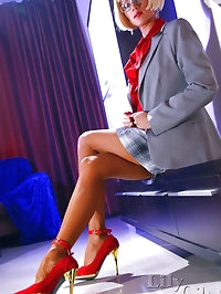 Leggy secretary LilyWOW in thin stockings and high heels