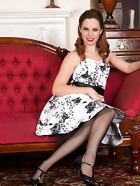 UK hottie Tiffany Naylor has dressed up as a 1950s..