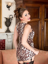 29 year old Sophia Delane is bored and horny, so she..