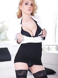 Blonde Teen Hot Beauty Daniela Dadivoso Gets Her First DP