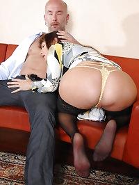 Seductive milf Alexandra Silk sucks cock before getting..