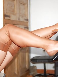 Amanda likes nude stockings