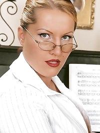 Huge Laura M. dominates schoolgirl