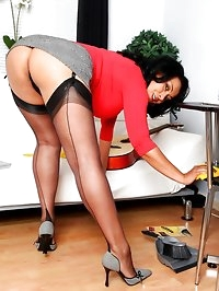Danica finishes her housework before having a wank