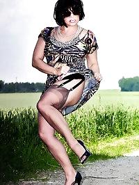 Lusty darling in hot printed top