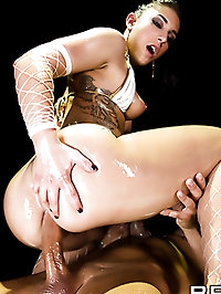 Mischa Brooks Pictures in Stage Tight