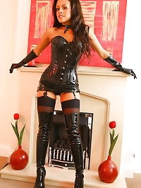 Devilish beautiful Halloween lady slips out of her tight..