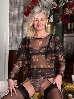 Granny Nylon Porn