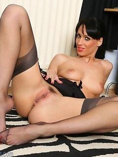 Leggy Nylon Porn