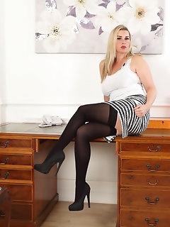 Miniskirt Nylon Porn